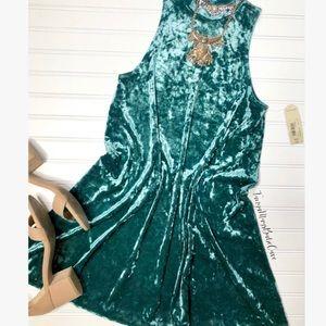 Dresses & Skirts - 🦚Teal Crushed Green Velvet High Neck Shift Dress